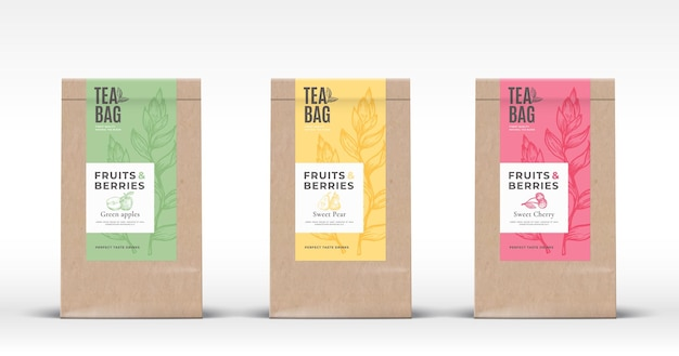 Sac en papier artisanal avec ensemble d'étiquettes de thé aux fruits et baies.