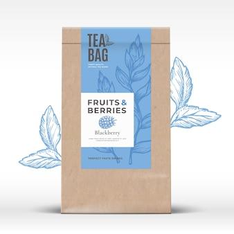 Sac en papier artisanal avec étiquette de thé aux fruits et baies.