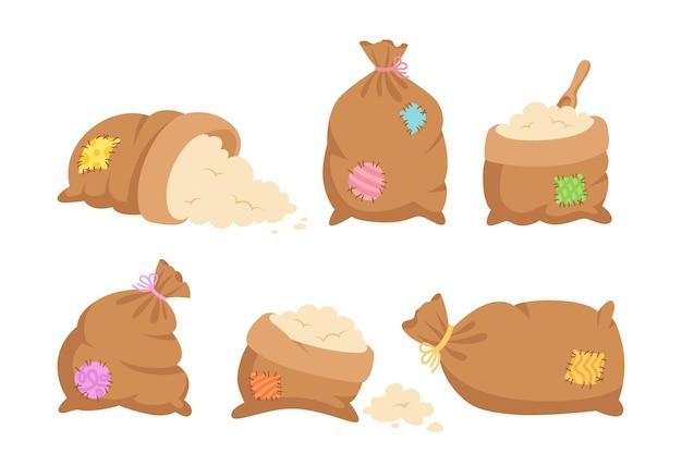 Sacs avec des patchs colorés, de la farine ou du sucre