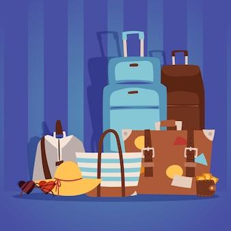 Des sacs de voyage emballés pour les vacances d'été au bord de la mer