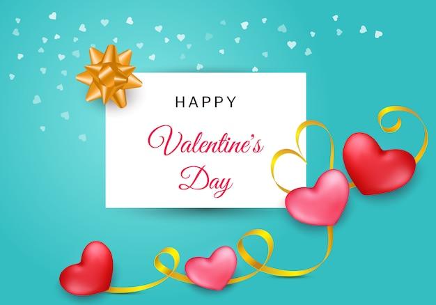 Saint valentin avec deux coeurs et rayures dorées