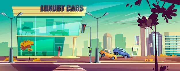 Salle d'exposition de voitures avec des automobiles sur le stand en ville