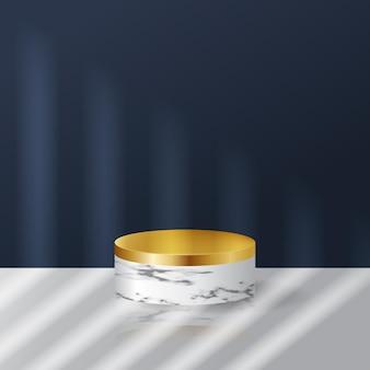Scène blanche et bleu marine avec marbre et podium au toucher doré pour l'exposition de produits. style réaliste avec effet de lumière et d'ombre.