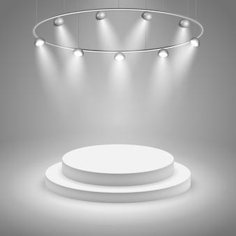 Scène blanche avec projecteur