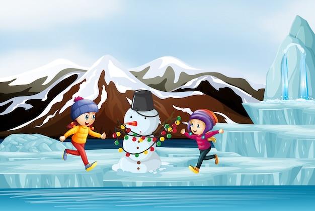 Scène avec enfants et bonhomme de neige