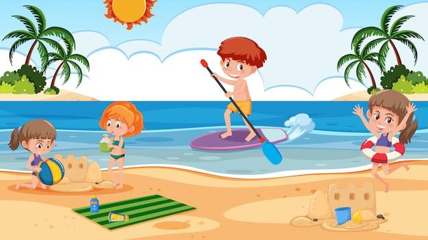 Scène de fond avec des enfants jouant sur la plage