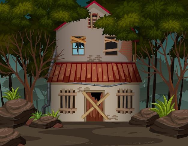 Scène avec maison abandonnée dans la forêt sombre