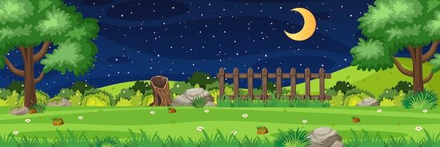 Scène de nature horizon ou campagne paysage avec vue sur la forêt et la lune dans le ciel la nuit
