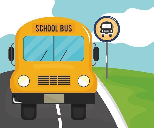 Scène de route avec signal de bus d'arrêt