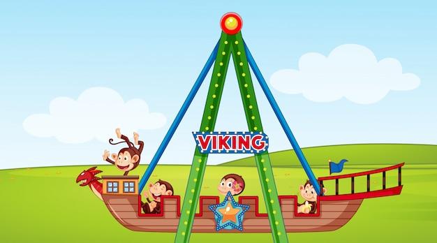 Scène avec des singes heureux à cheval sur un bateau viking