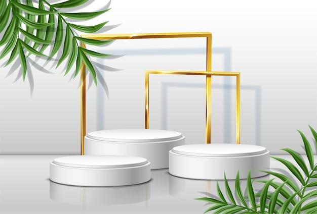 Scènes rondes et cadres dorés avec des feuilles tropicales sur les côtés.