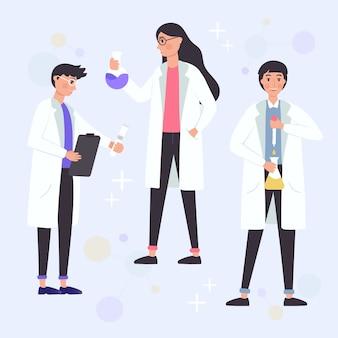 Scientifiques travaillant avec des produits chimiques