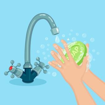 Se laver les mains avec de la mousse de savon