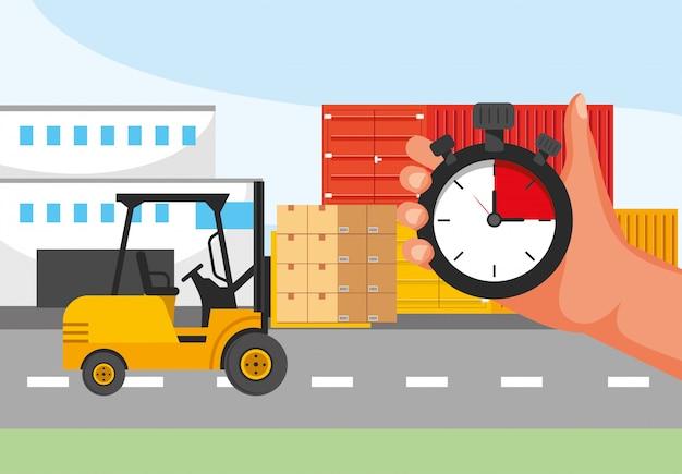 Service de transport de livraison avec chariot élévateur et main avec chronomètre
