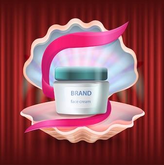 Shell pearl avec la crème de la marque dans un récipient en tube