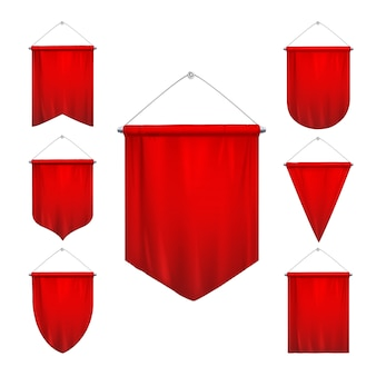 Signal rouge fanions sport triangle drapeaux diverses formes effilées suspendus fanions bannières réaliste ensemble isolé illustration