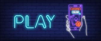 Signe néon de casino en ligne. Application de jeu et inscription de jeu