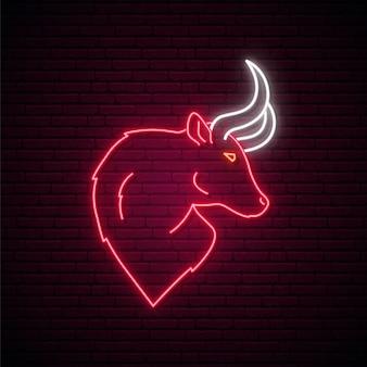 Signe de taureau au néon.