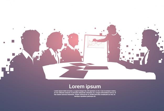 Silhouette business people team avec tableau de conférence conférence conférence de formation brainstorming