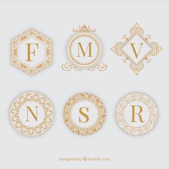 Six cadres d'ornement d'or