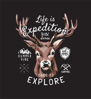 Slogan d'expédition avec tête d'orignal et badges sur fond noir