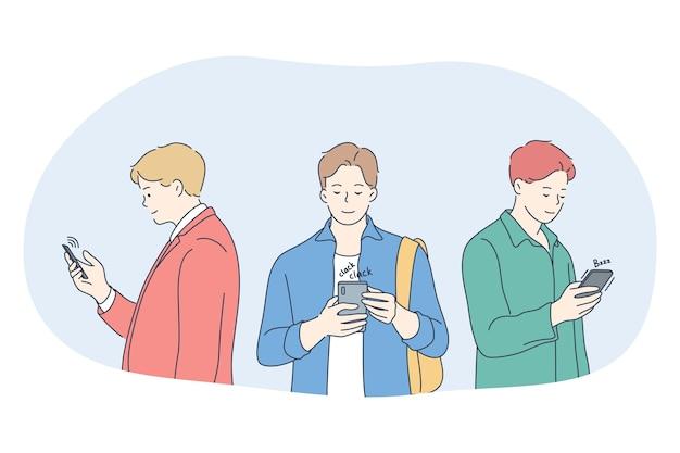 Smartphone, communication en ligne, concept de chat. jeunes hommes, debout, à, smartphones, bavarder
