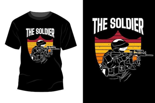 Le soldat t-shirt maquette design vintage rétro