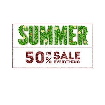 Solde d'été. grandes lettres à feuillage vert et inscription en forme de timbre