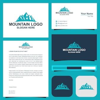Sommets de montagne et carte de visite premium