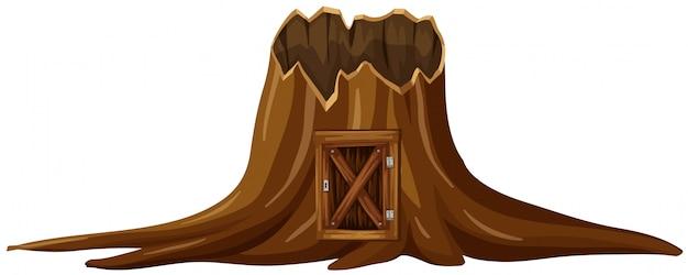 Souche arbre avec porte en bois