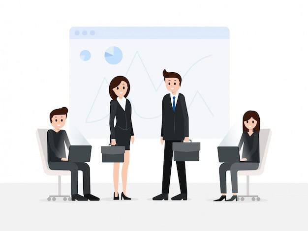 Sourire hommes et femmes dans la salle de réunion