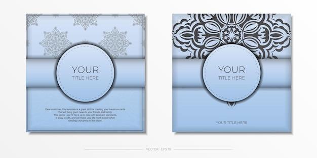 Square vector préparation de carte postale de couleur bleu clair avec des motifs noirs luxueux. modèle de carte d'invitation de conception d'impression avec ornement vintage.