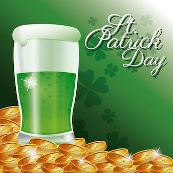 St patrick jour carte verre froid bière or pièces de trèfle fond