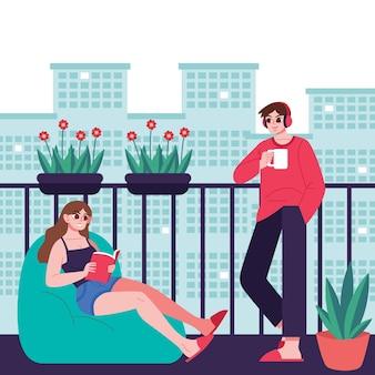 Staycation au balcon de la maison avec homme et femme