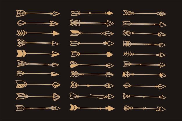 Style boho de flèches ethniques dessinées à la main