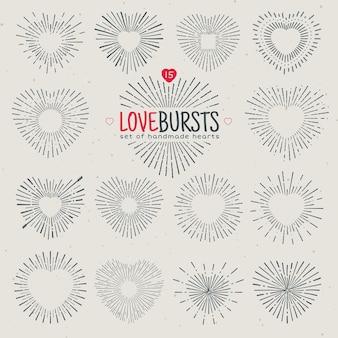 Sunburst dessiné main géométrique, rayons de soleil en forme de coeurs