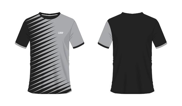 T-shirt gris et noir modèle de football ou de football pour club d'équipe sur fond blanc. maillot de sport.