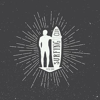 Table de surf avec la silhouette de l'homme