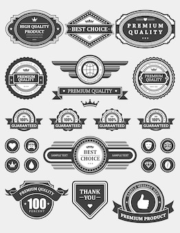 Tampons d'étiquettes de produits haut de gamme. symbole de voyage global vintage avec décoration de couronne médiévale et insignes de coeur. service de haut niveau