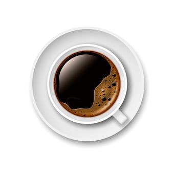 Tasse 3d réaliste de café noir sur une soucoupe. vue d'en-haut. illustration vectorielle.