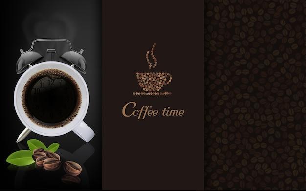 Tasse de café noir sur fond sombre copie espace pour le texte