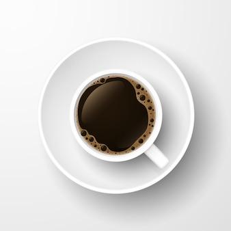 Tasse à café réaliste vue de dessus isolé sur blanc