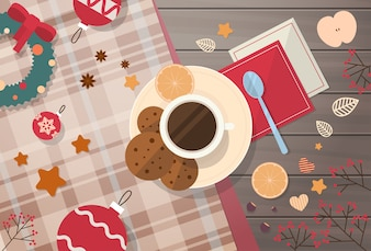 Tasse de bureau décorée avec biscuits, vue de dessus