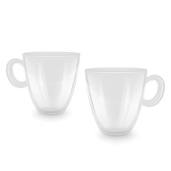 Tasses à thé vides sur blanc