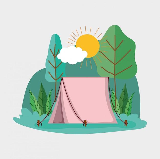 Tente de camping dans le parc