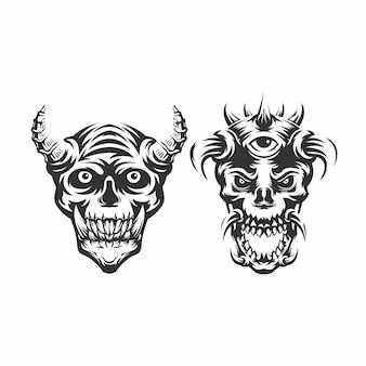 Têtes de crâne avec de nombreuses cornes