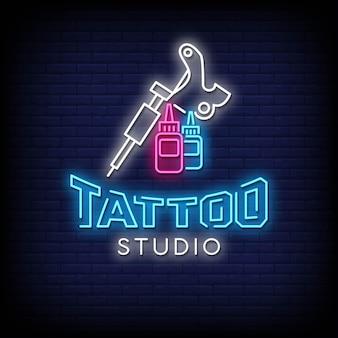 Texte de style d'enseignes au néon de studio de tatouage