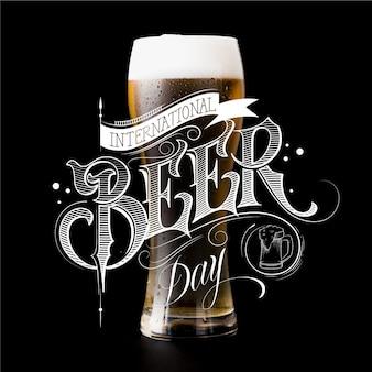 Thème de lettrage de la journée internationale de la bière