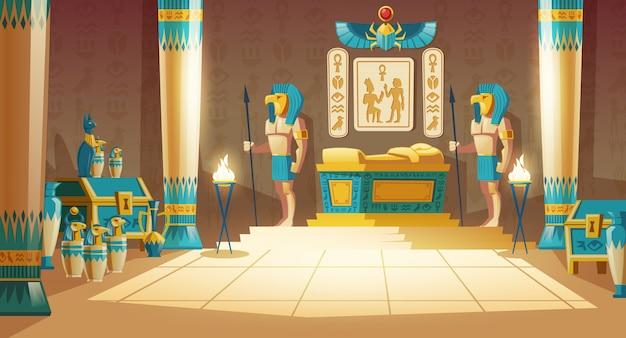 Tombe pharaon de dessin animé avec sarcophage doré, statues de dieux à têtes d'animaux, colonnes