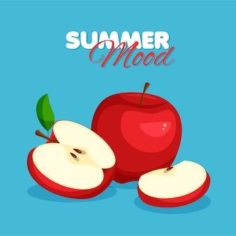 Tranche et moitié de pomme rouge isolée sur bleu. ambiance estivale.
